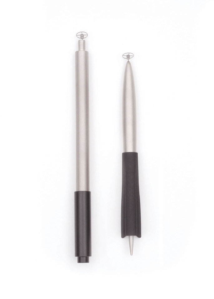 The GoSmart Freedom Stylus has an unusual circular metal tip that helps make writing on a mobile touchscreen device feel like writing with a pen to paper. PHOTO PROVIDED.  <strong></strong>