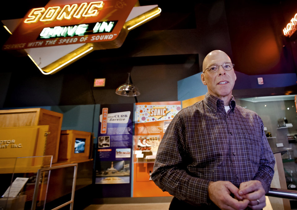 Photo - Oklahoma City Thunder play by play announcer Brian Davis poses for a photo at the Oklahoma History Museum on Tuesday, Feb. 3, 2009, in Oklahoma City, Okla.   PHOTO BY CHRIS LANDSBERGER, THE OKLAHOMAN  ORG XMIT: KOD