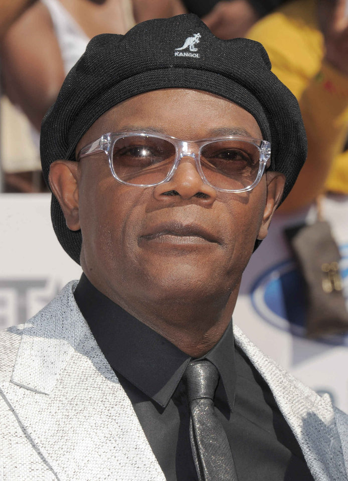 FILEv - Samuel L. Jackson arrives at the BET Awards on Sunday, July 1, 2012, in Los Angeles. The Spike Video Game Awards announced Thursday, Nov. 29, 2012 that the gaming extravaganza's previous emcees would join �The Avengers� star and four-time VGAs host Samuel L. Jackson at the Dec. 7 show.(Photo by Jordan Strauss/Invision/AP, File)
