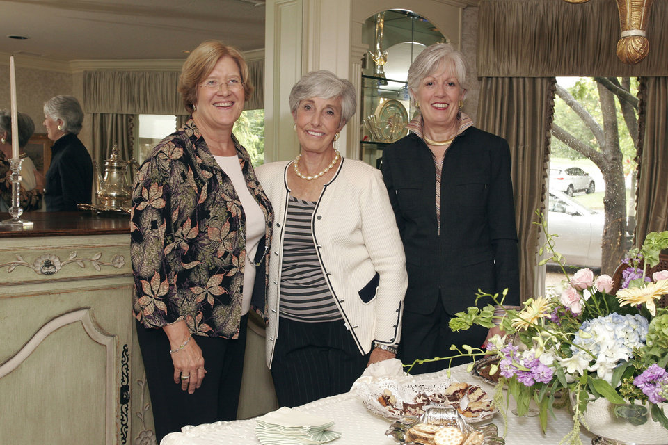 Photo - Suzanne Spradling, Karen James and Ann Garrett attend the Junior League sustainers party. BY DAVID FAYTINGER, FOR THE OKLAHOMAN ORG XMIT: 0710041850449982