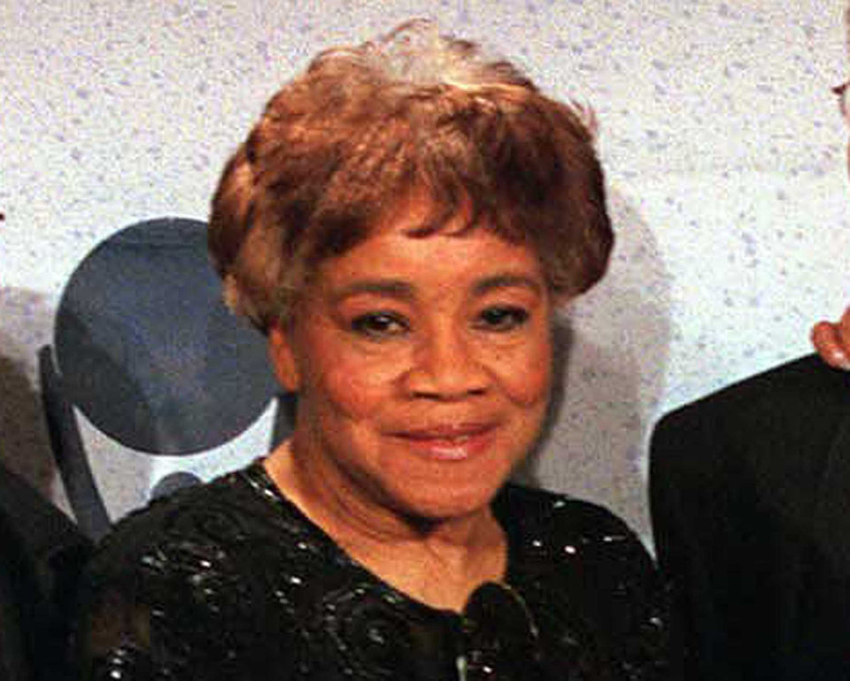 Photo - FILE - This March 15, 1999 file photo shows Cleotha Staples of the sibling group The Staples Singers at the Rock and Roll Hall of Fame induction ceremony in New York. Cleotha Staples, the eldest sibling in the highly influential gospel group died Friday, Feb. 22, 2013, at her Chicago home after suffering from Alzheimer's disease for the last decade.  She was 78. (AP Photo/Albert Ferreira, file)