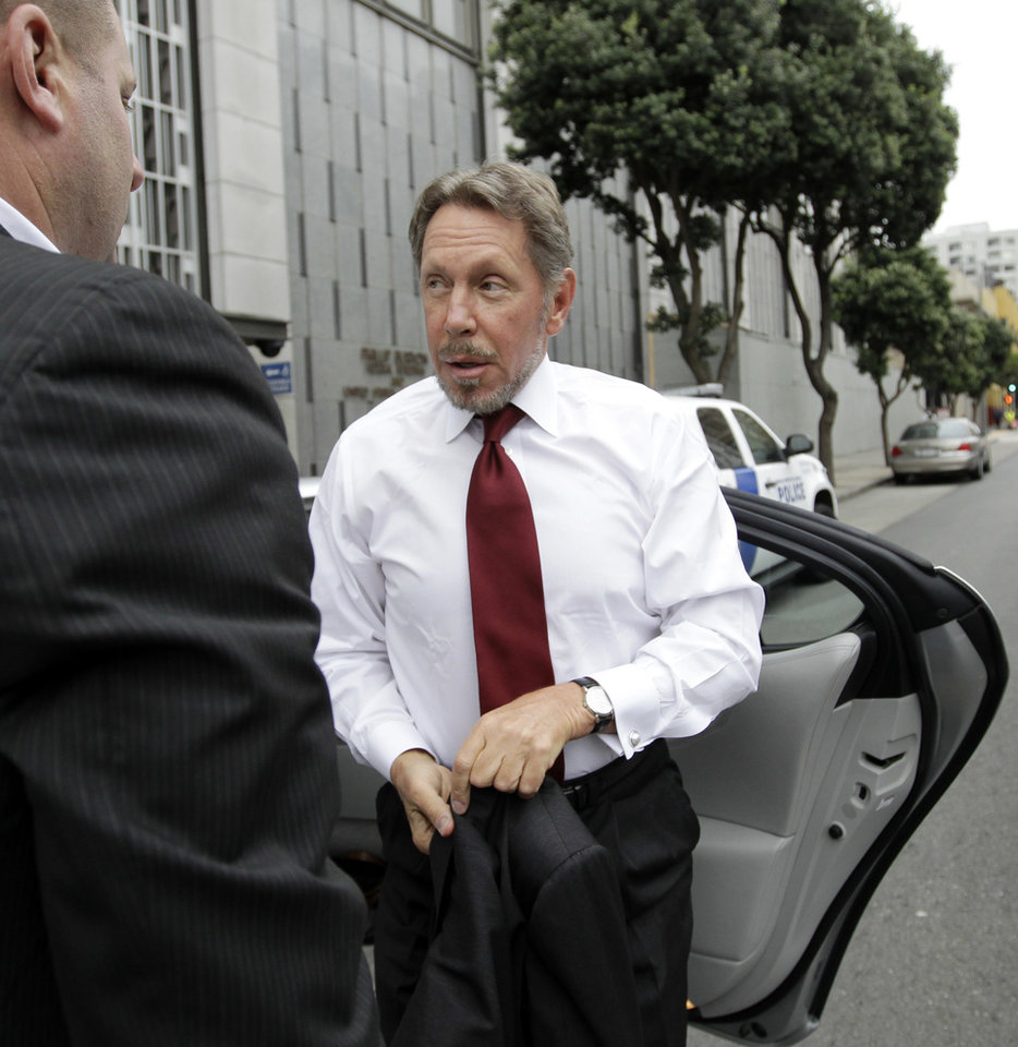 Photo -   Oracle CEO Larry Ellison arrives for a court appearance at a federal building in San Francisco, Tuesday, April 17, 2012. Oracle intends to rely heavily on Google's own internal emails to prove Google's top executives knew they were stealing a popular piece of technology to build the Android software that now powers more than 300 million smart phones and tablet computers. (AP Photo/Paul Sakuma)