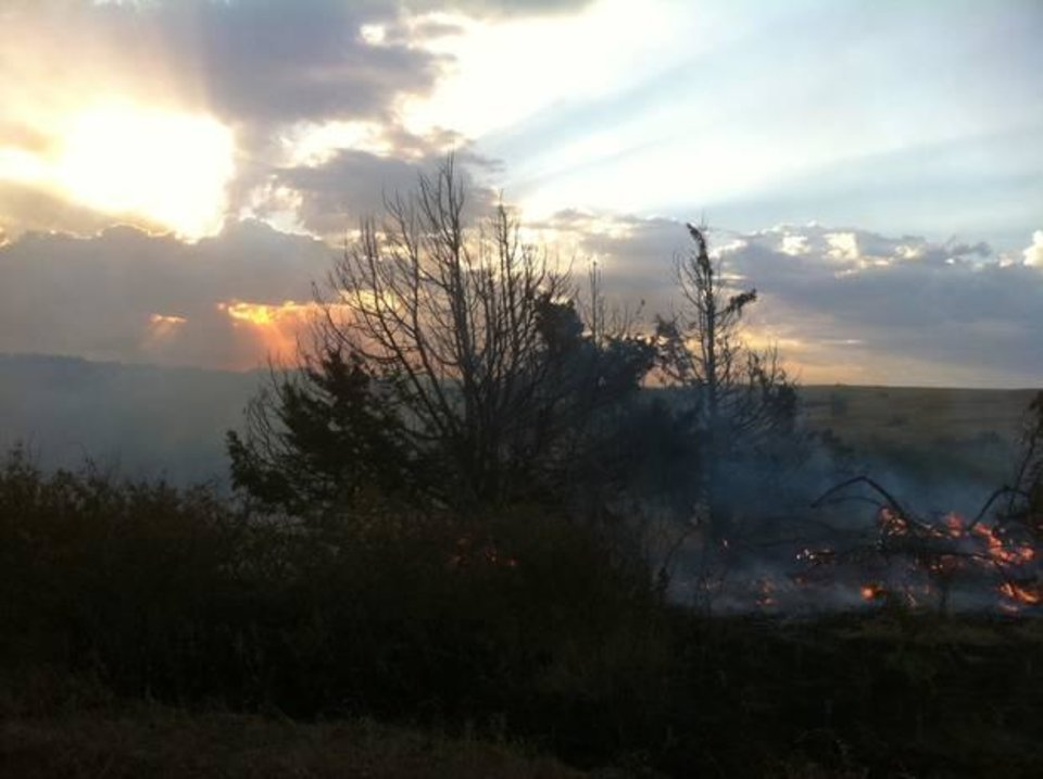 Photo - Wildfire near Geary - User-submitted photo by John Kilmer