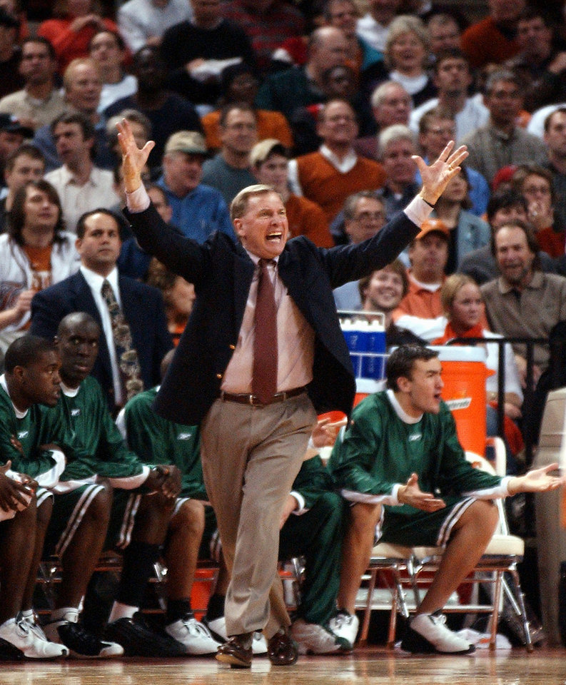 Photo -  Baylor coach Dave Bliss reacts to a call against Texas during the first half in Austin, Texas on Wednesday, Feb. 26, 2003. Texas won 82-64. (AP Photo/Deborah Cannon)   DEBORAH CANNON