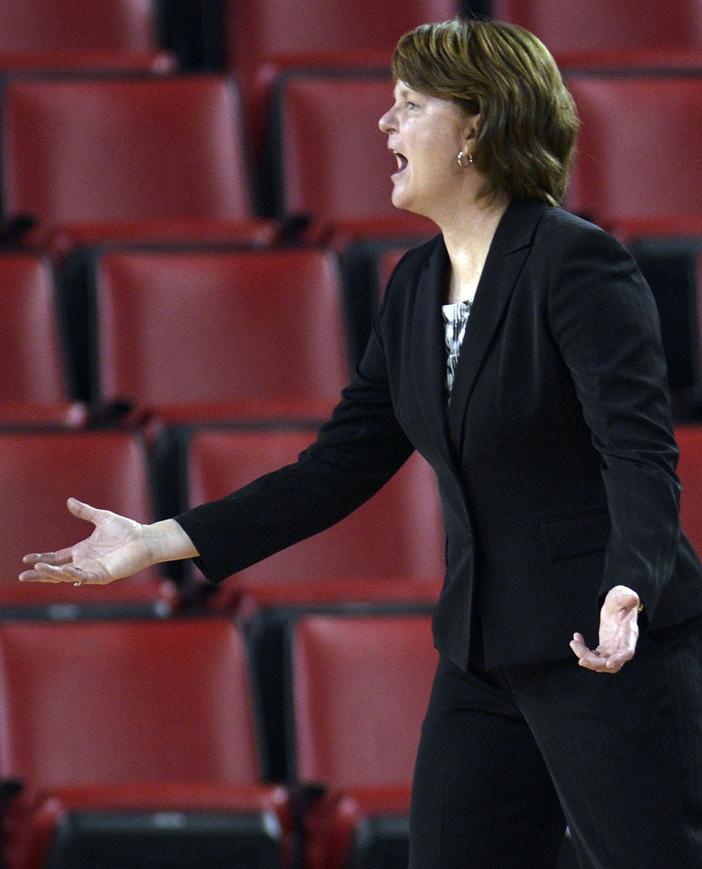 Mercer head coach Susie Gardner yells during the second half of an NCAA college basketball game against Georgia, Tuesday, Dec. 4, 2012, in Athens, Ga. Georgia won 80-38. (AP Photo/Richard Hamm)