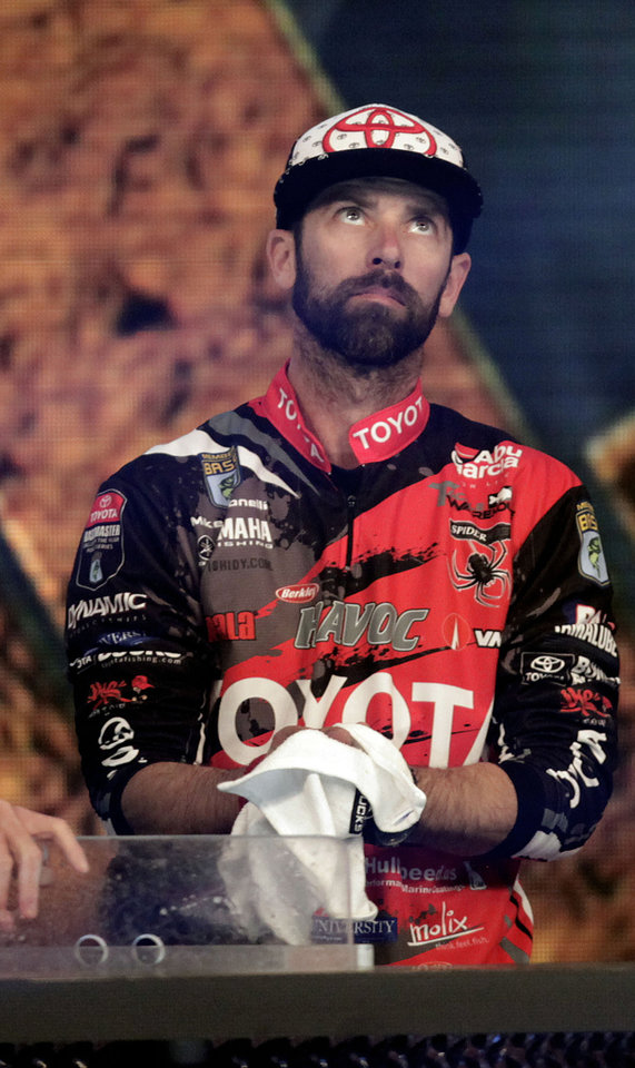Photo - Michael Iaconelli reacts after coming up short at the Bassmaster Classic  Feb. 24, 2013. MIKE SIMONS/Tulsa World