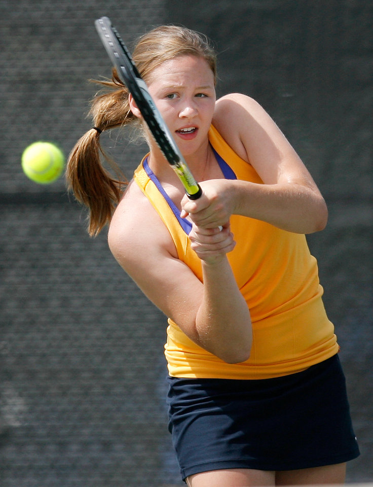 Photo - GIRLS HIGH SCHOOL TENNIS STATE TOURNAMENT: Julie Labarthe of Heritage Hall competes in the Class 4A girls #1 singles final during the Class 4A, 5A and 6A girls state tennis championships at the Oklahoma City Tennis Center in Oklahoma City, Saturday, May 8, 2010. Photo by Nate Billings, The Oklahoman ORG XMIT: KOD