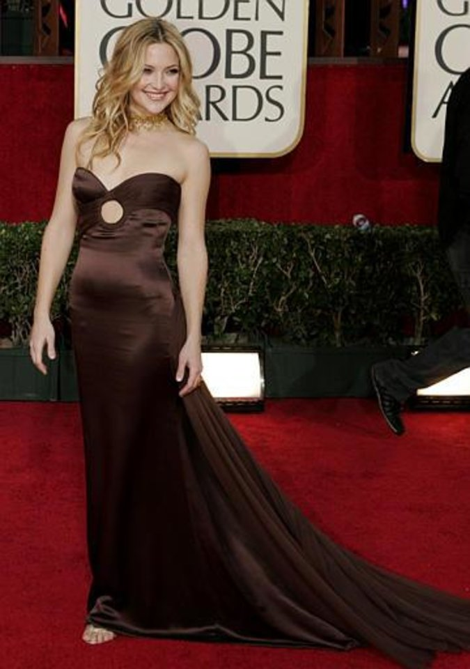 Actress Kate Hudson arrives for the 62nd Annual Golden Globe Awards on Sunday, Jan. 16, 2005, in Beverly Hills, Calif. (AP Photo/Mark J. Terrill)