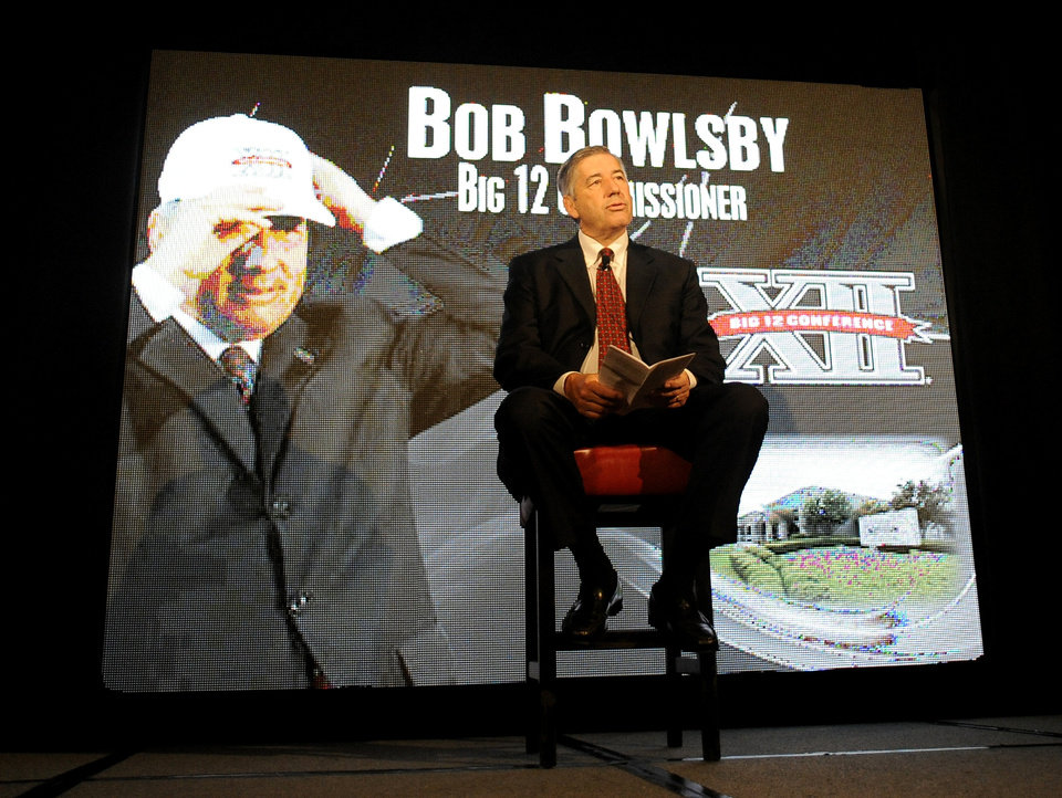 Big 12 Commissioner Bob Bowlsby speaks at NCAA college football Big 12 Media Days, Monday, July 23, 2012, in Dallas. (AP Photo/Matt Strasen) ORG XMIT: TXMS103