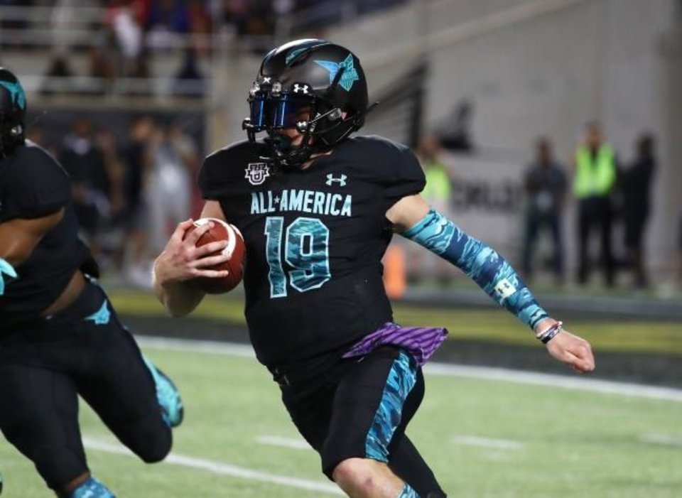 Photo -  Quarterback Chandler Morris (19) announced before Thursday's Under Armour All-American Game in Orlando, Fla., that he will play at OU. [Kim Klement/USA TODAY Sports]