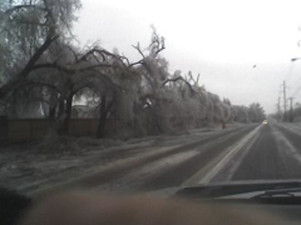 Down MW Blvd N. of Reno<br/><b>Community Photo By:</b> Robert Fuller<br/><b>Submitted By:</b> Robert, Midwest City