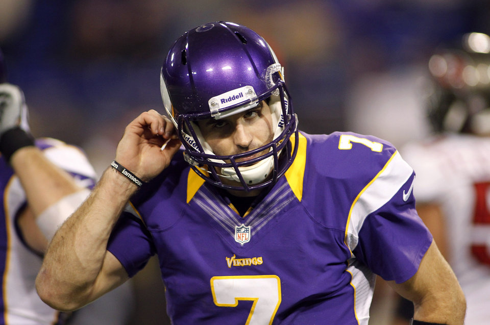 Photo -   Minnesota Vikings quarterback Christian Ponder reacts at the end of an NFL football game against the Tampa Bay Buccaneers Thursday, Oct. 25, 2012, in Minneapolis. The Buccaneers won 36-17. (AP Photo/Andy King)