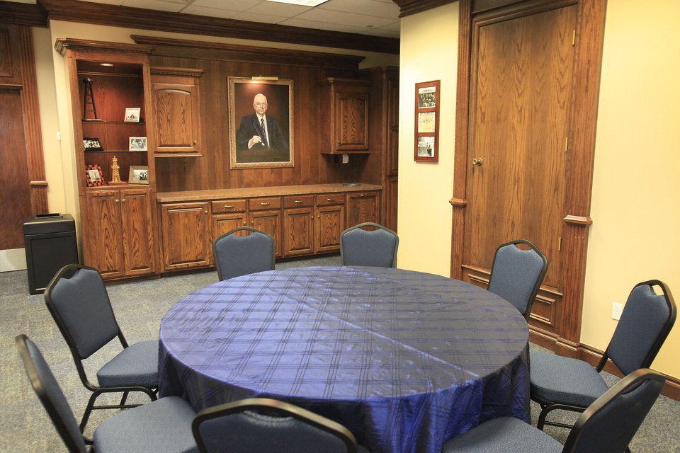New tables and chairs are part of the newly renovated Robert S. Kerr Room in the Nigh Center at the University of Central Oklahoma. PHOTO BY DAVID MCDANIEL, THE OKLAHOMAN. <strong>David McDaniel - THE OKLAHOMAN</strong>