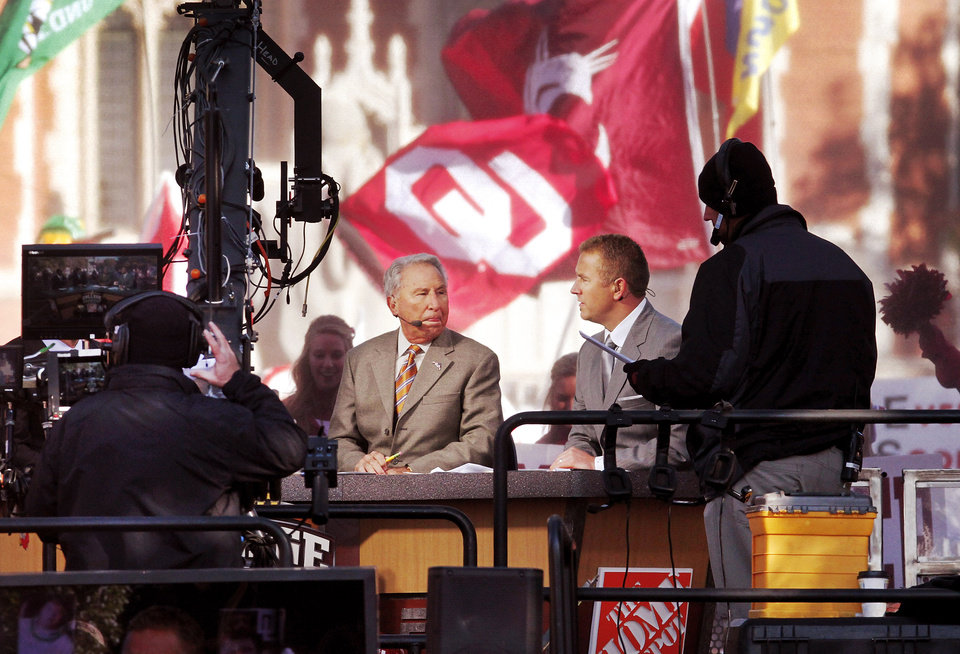 Photo - ESPN broadcast their weekly pre-game sports show, GameDay,  from the  the campus of the University of Oklahoma, Saturday morning, Oct. 27, 2012. The network's broadcast crew is in Norman for the OU - Notre Dame football game Saturday night.  Several thousand OU fans and a smattering of Notre Dame supporters , many carrying homemade signs, crowded around the stage to watch the live broadcast.  Photo by Jim Beckel, The Oklahoman