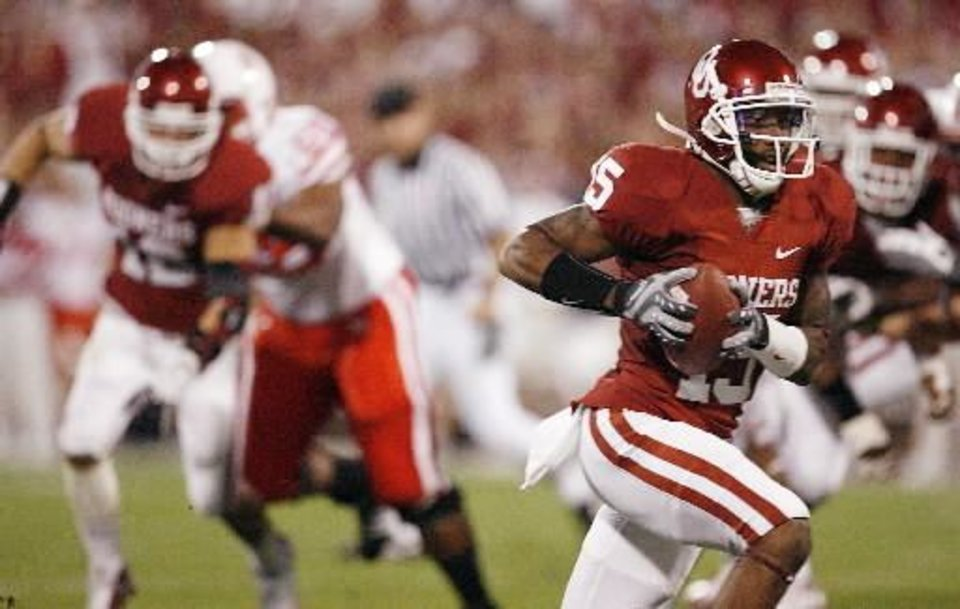 Oklahoma's Dominique  Franks (15) returns an interception for a touchdown during the first half of the college football game between the University of Oklahoma Sooners (OU) and the University of Nebraska Huskers (NU) at the Gaylord Family-Oklahoma Memorial Stadium, on Saturday, Nov. 1, 2008, in Norman, Okla. BY NATE BILLINGS, THE OKLAHOMAN
