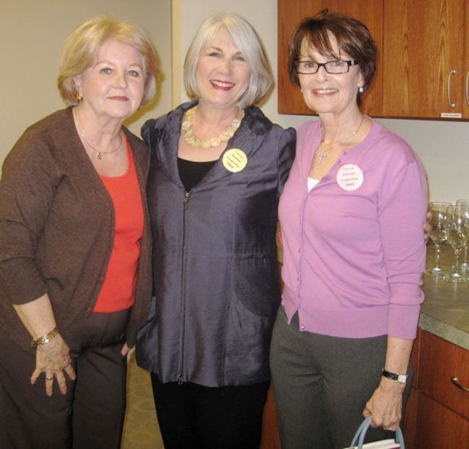 Linda Garrett, Jeary Seikel, Linda James. (Photo by Helen Ford Wallace).