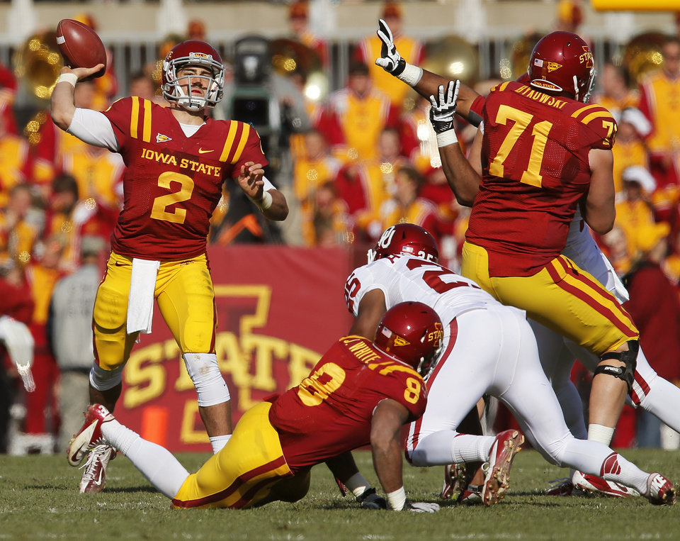 Photo - Iowa State's Steele Jantz (2) passes during a college football game between the University of Oklahoma (OU) and Iowa State University (ISU) at Jack Trice Stadium in Ames, Iowa, Saturday, Nov. 3, 2012. Photo by Nate Billings, The Oklahoman
