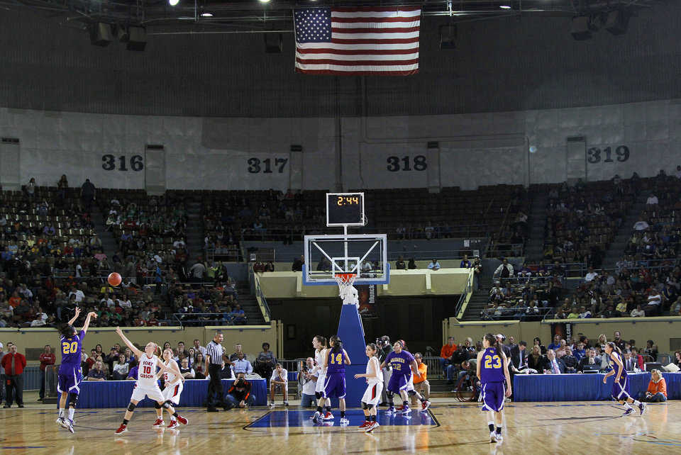 Photo - Anadarko and Ft. Gibson take to the court during the 4A girls State Basketball Championship game between Ft. Gibson High School and Anadarko High School at State Fair Arena on Saturday, March 10, 2012 in Oklahoma City, Okla.  Photo by Chris Landsberger, The Oklahoman