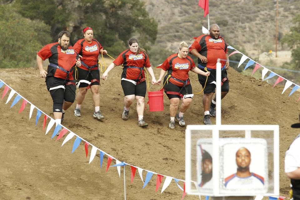 Photo - David Brown, Tanya Winfield, Rachel Frederickson, Jennifer Messer, Ruben Studdard, from left, in Season 15 of