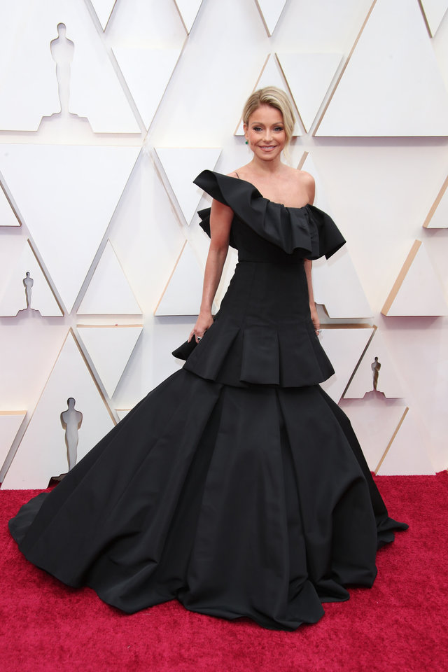 Photo - Feb 9, 2020; Los Angeles, CA, USA;  Kelly Ripa arrives at the 92nd Academy Awards at Dolby Theatre. Mandatory Credit: Dan MacMedan-USA TODAY