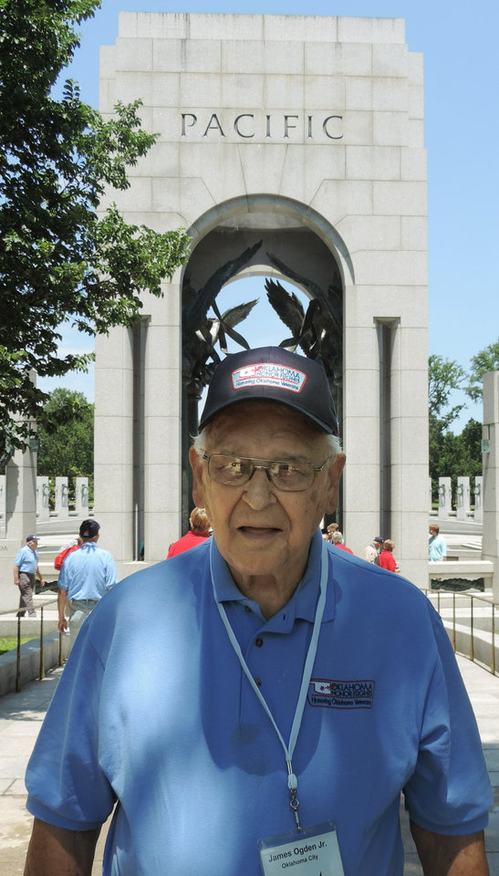 Photo - Bob Ogden Jr., 88, of Oklahoma City, participated Wednesday in an Oklahoma Honor Flights trip to Washington, D.C.  Photo by Bryan Painter, The Oklahoman   Bryan Painter