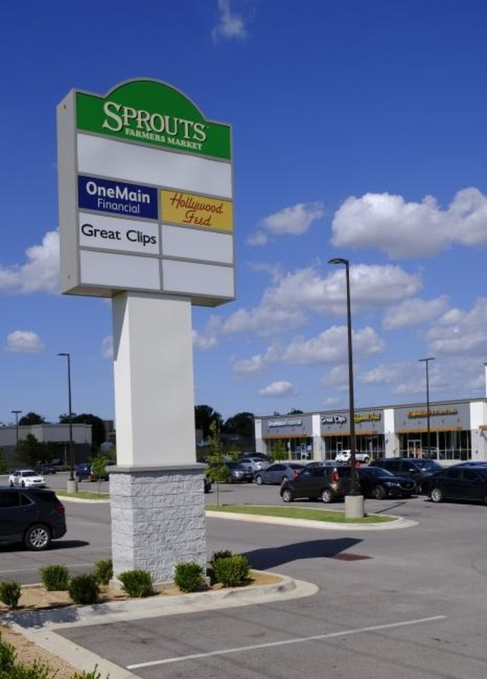 Photo -  Greenbriar Square Shopping Center, 12100 S Pennsylvania Ave., sold in the second quarter for $10.7 million, one of the few significant retail property transactions in the second quarter, brokers say. [DOUG HOKE/THE OKLAHOMAN]