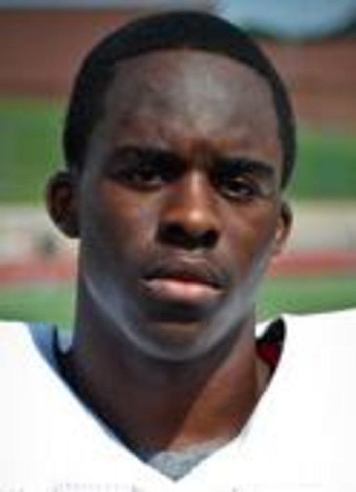 Photo - UNIVERSITY OF OKLAHOMA / OU / COLLEGE FOOTBALL / 2011 SIGNING CLASS / HIGH SCHOOL FOOTBALL: Bennett Okotcha