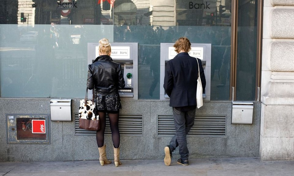 A third of 18-24-year-olds scared to check bank balance ...