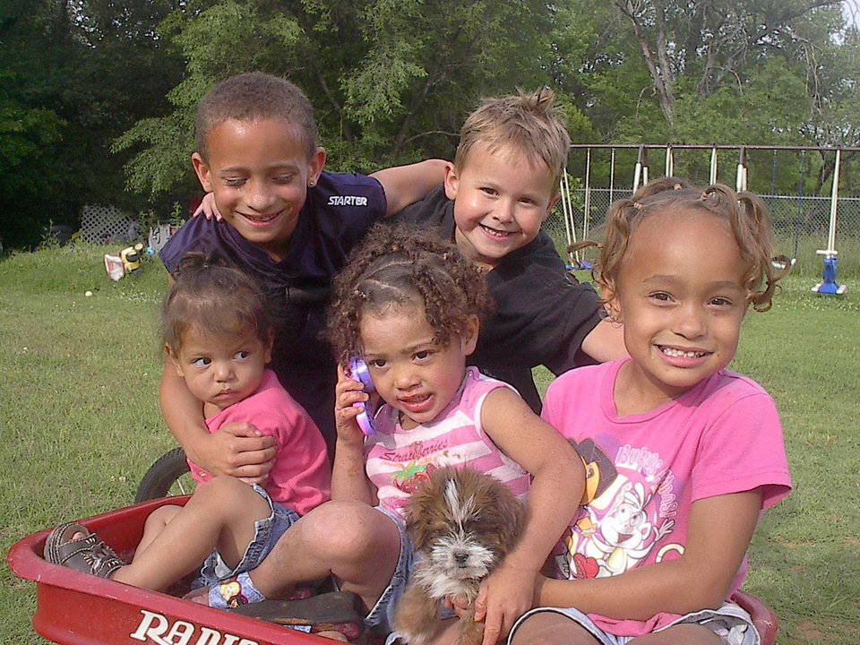 I LOVE this photo these are my nephew and neises and Kash .. so adorable somebody stoled sparky though isn't he a cute puppy<br/><b>Community Photo By:</b> Tama<br/><b>Submitted By:</b> Tama, Midwest