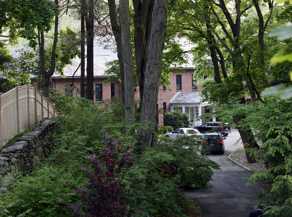 Photo -   The home of Mary Kennedy, ex-wife of Robert F. Kennedy Jr. in Mt. Kisco New York where she was found dead in the afternoon hours Wednesday, May 16 2012. (AP Photo/David Karp)