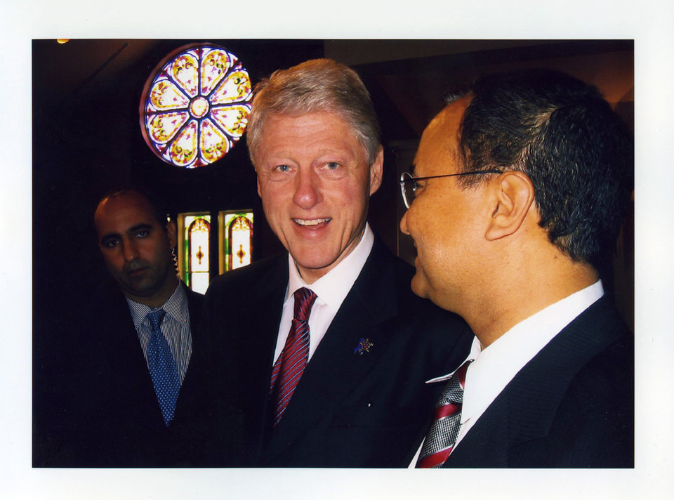 Dr. R. Murali Krishna meets with former President Bill Clinton. PHOTO PROVIDED