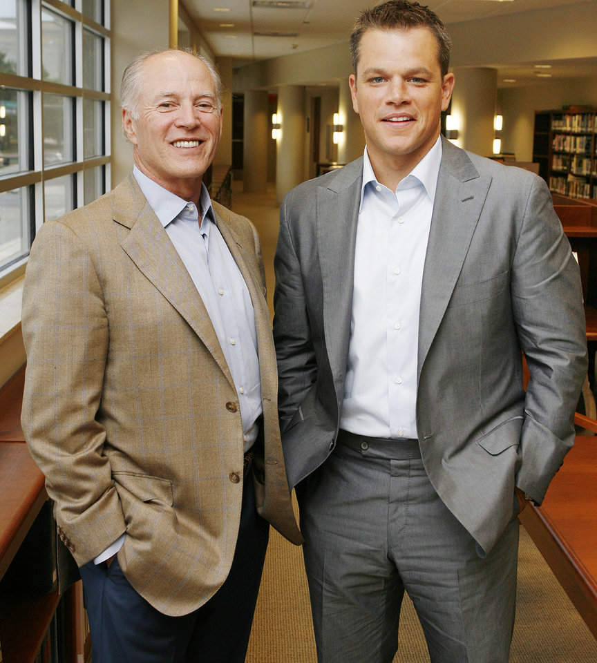 "Producer Frank Marshall, left, and actor Matt Damon pose for a photo after an interview at the Oklahoma City Museum of Art before the Oklahoma City premiere of ""The Bourne Ultimatum"" in Oklahoma City, Tuesday, July 31, 2007. Damon and Marshall brought the film to benefit The Children's Center. By Nate Billings, The Oklahoman"