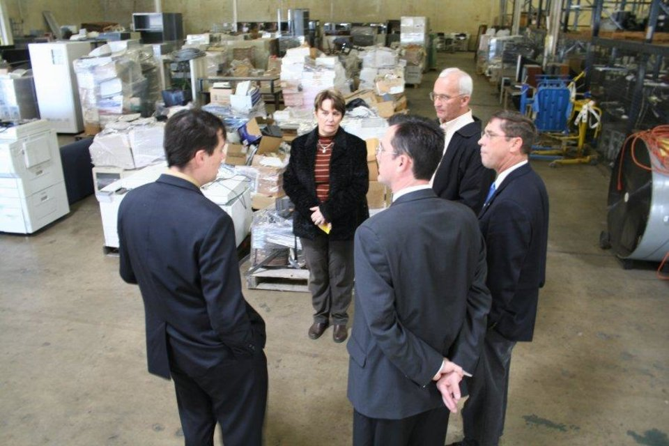 Rep. Murphey and Speaker Cargill meet with state officials at the state surplus property warehouse<br/><b>Community Photo By:</b> House<br/><b>Submitted By:</b> Shannon, Guthrie