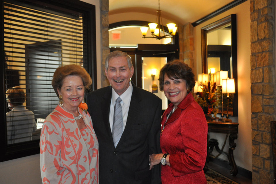 Sharlene Branham, Jerry Barnett, Linda Barnett. PHOTO PROVIDED