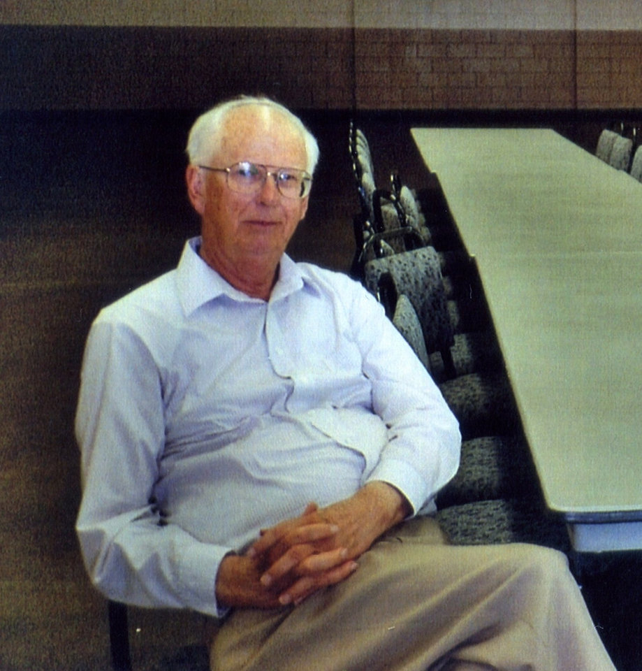 Photo - MURDER STABBING VICTIM:  James Shaw, 73, a retired Redlands Community College professor, was stabbed to death in the living room of his El Reno home May 21, 2007. ORG XMIT: 0905202239325462
