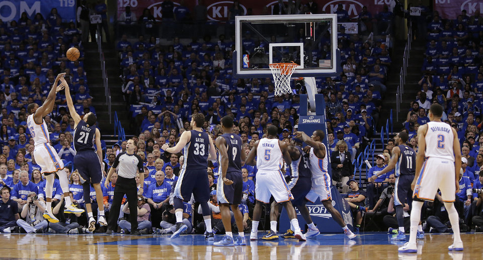 Oklahoma City\'s Kevin Durant (35) shoots over Memphis\' Tayshaun Prince (21) during the second round NBA playoff basketball game between the Oklahoma City Thunder and the Memphis Grizzlies at Chesapeake Energy Arena in Oklahoma City, Sunday, May 5, 2013. Photo by Chris Landsberger, The Oklahoman