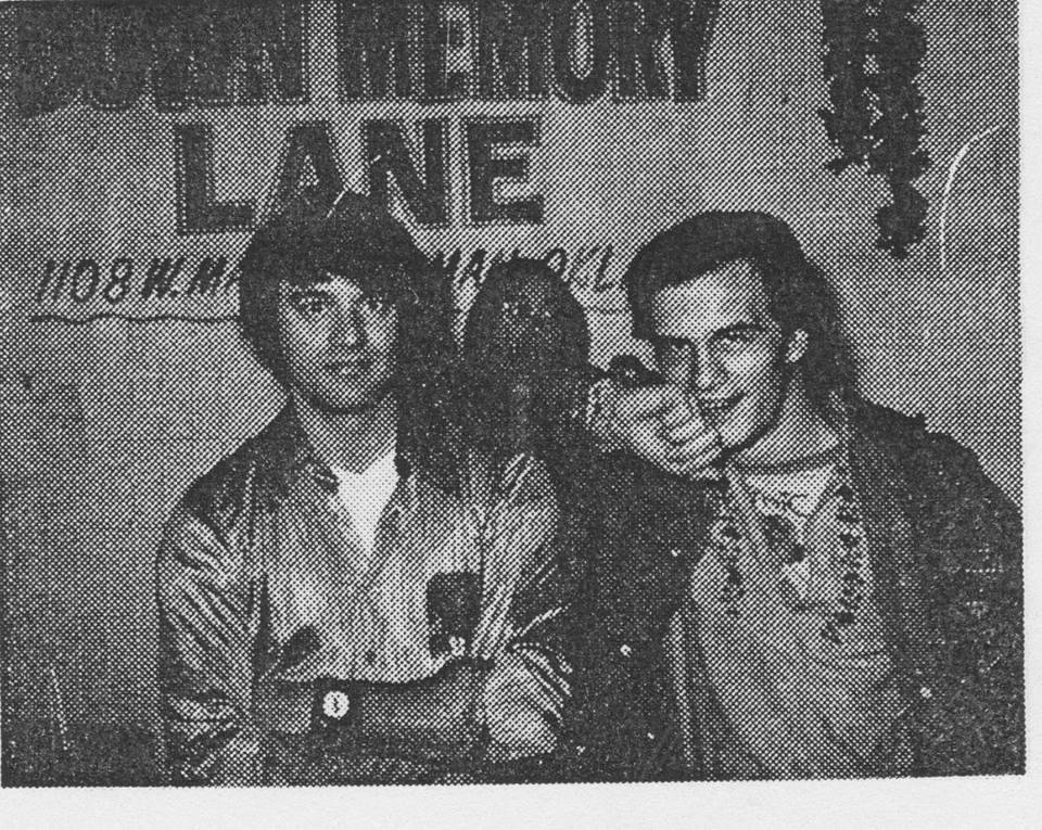 Photo - Bruce Jones, Bart Bush (in background), Bernie Wrightson. [photo provided by Bart Bush]