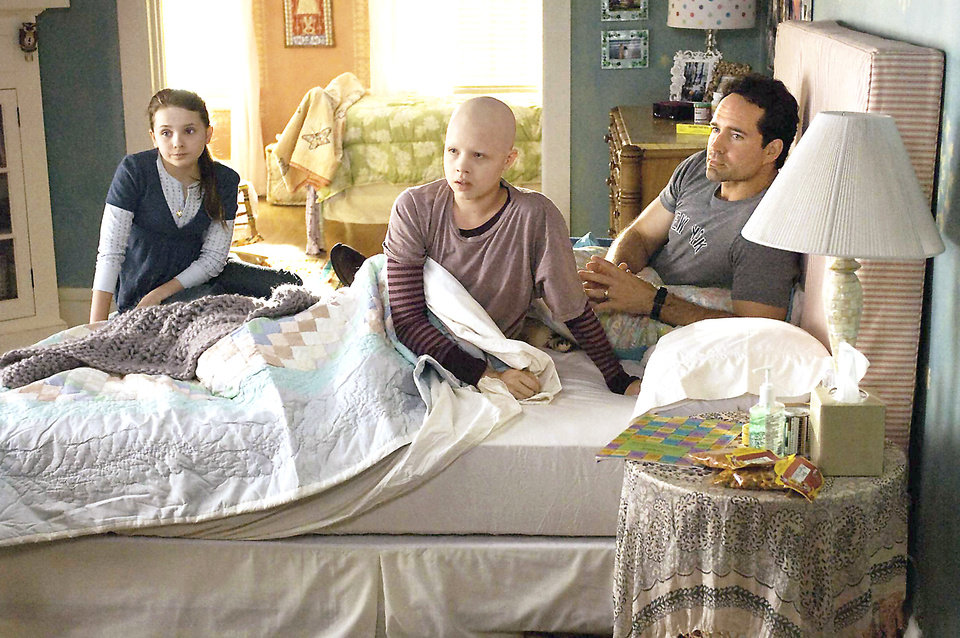 """Photo - From left, Abigail Breslin, Sofia Vassilieva and Jason Patric star in """"My Sister's Keeper."""" Warner Bros. Pictures Photo"""