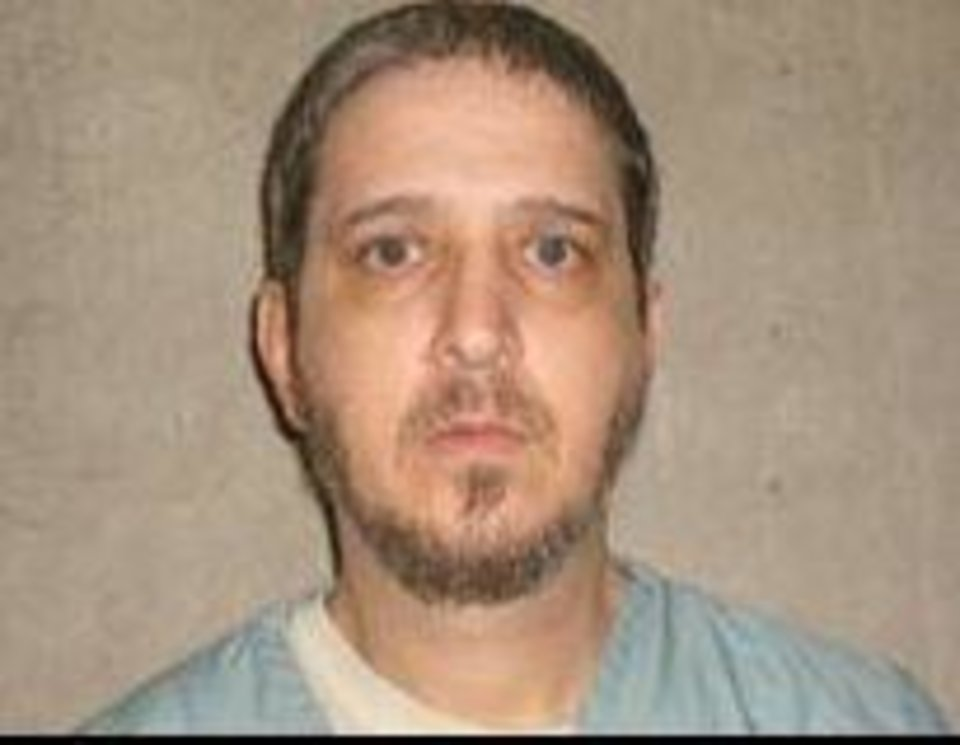 Photo -   Richard E. Glossip , now 55, was moments away from being executed on Sept. 30, 2015, when a doctor discovered the wrong deadly drug had been supplied for the lethal injection.   Glossip, a manager of an Oklahoma City motel, was convicted at a retrial of having his boss murdered in 1997. He maintains he is innocent and has a number of high-profile supporters. His execution is stayed.