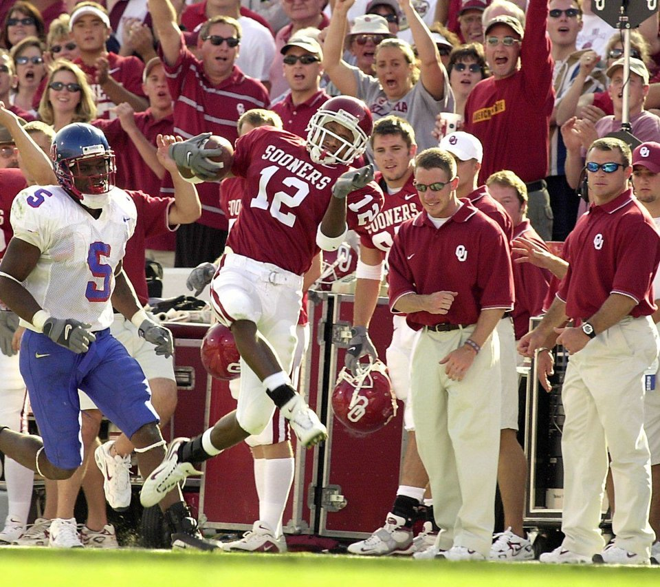 Former Oklahoma receiver Curtis Fagan runs down the sideline against Kansas. OKLAHOMAN ARCHIVE PHOTO