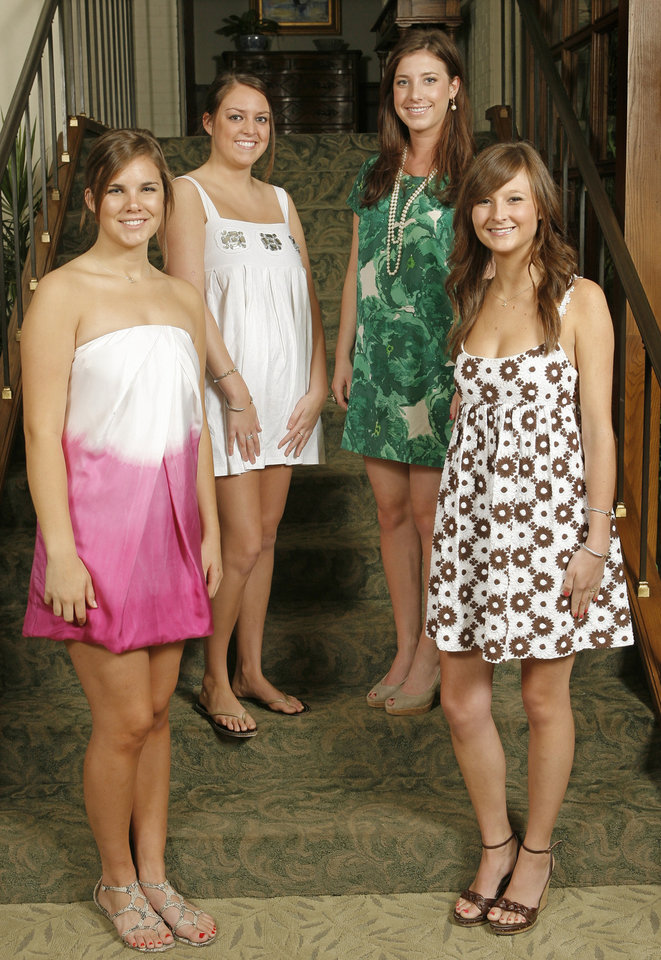 Debs at the Country Club, Tuesday, May 19, 2009.  Emmi Roush, Madeline McCubbin, Claire Thetford and Kelly Anthony.  Photo By David McDaniel, The Oklahoman.