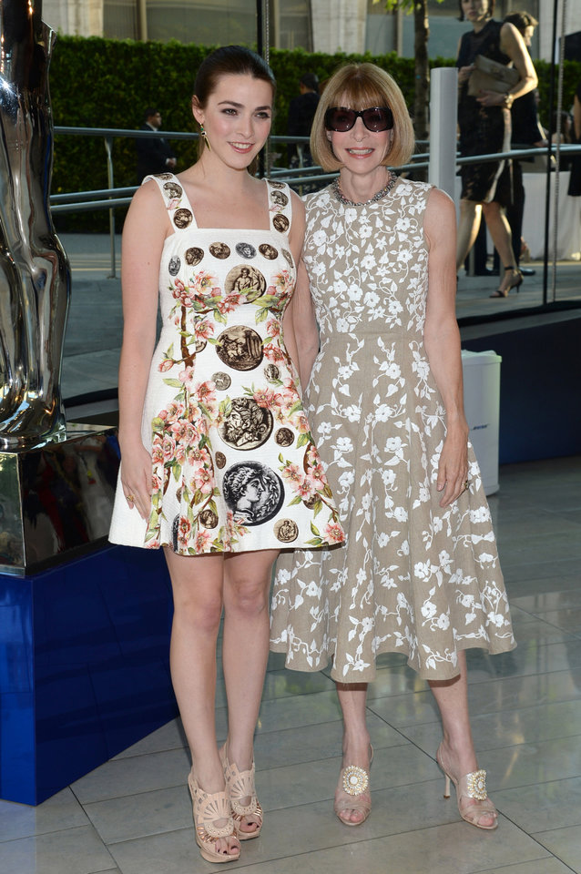 Photo - Vogue editor Anna Wintour, right, and her daughter Bee Shaffer arrive at the 2014 CFDA Fashion Awards held at Alice Tully Hall, Lincoln Center, on Monday, June 2, 2014, in New York. (Photo by Evan Agostini/Invision/AP)