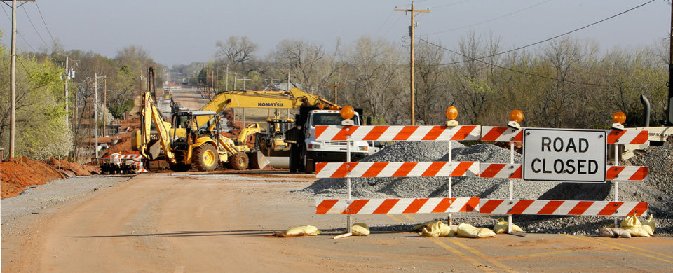 Photo - Edmond road and bridge construction on Coltrane north of SE 15 Street in Edmond Monday, March 16, 2009. View looking north up Coltrane. BY PAUL B. SOUTHERLAND, THE OKLAHOMAN ORG XMIT: KOD