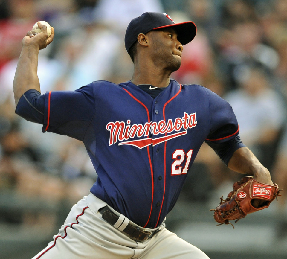 Photo -   Minnesota Twins starter Samuel Deduno delivers a pitch in the first inning of a baseball game against the Chicago White Sox in Chicago, Monday, Sept. 3, 2012. (AP Photo/Paul Beaty)