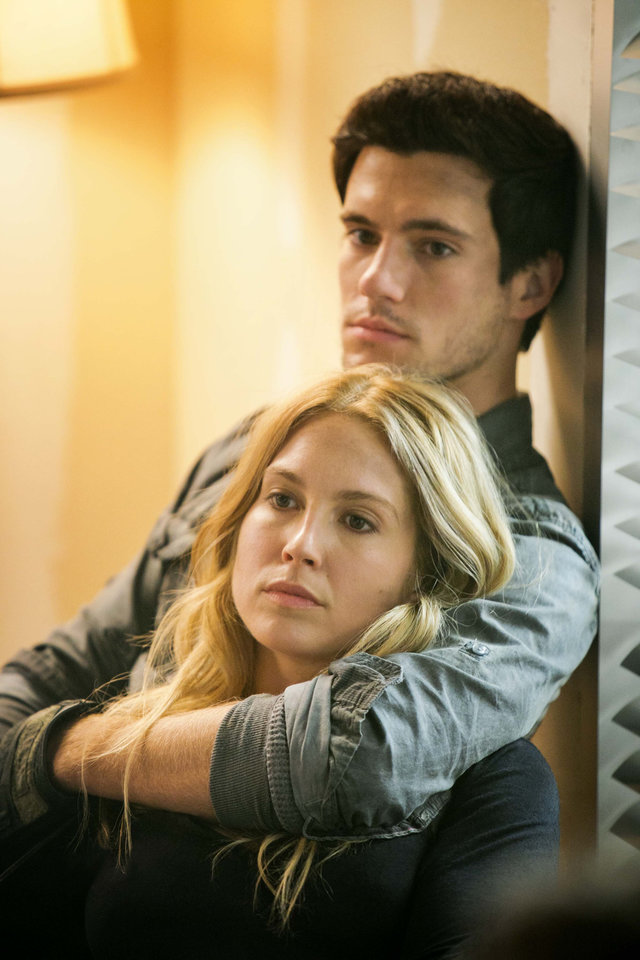"""Photo -  Sarah Carter and Drew Roy star in """"Falling Skies."""" - Photo by James Dittiger/TNT"""
