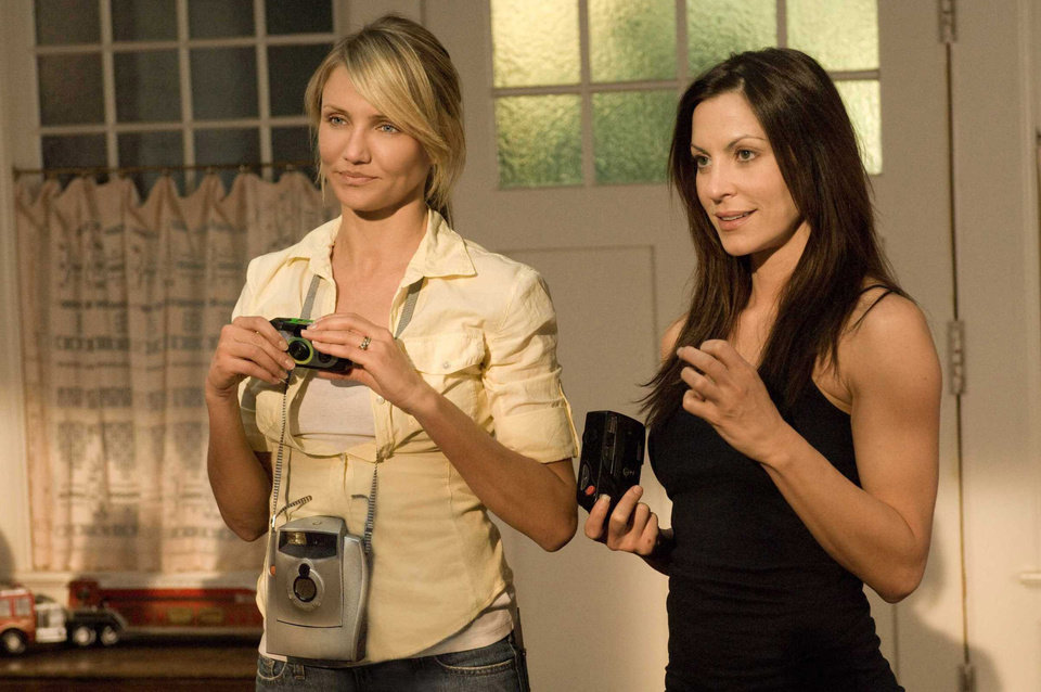 """Photo - MOVIE: Cameron Diaz and Oklahoma native Heather Wahlquist share a scene in """"My Sister's Keeper."""" Warner Bros. Pictures Photo ORG XMIT: 0906251539257481"""