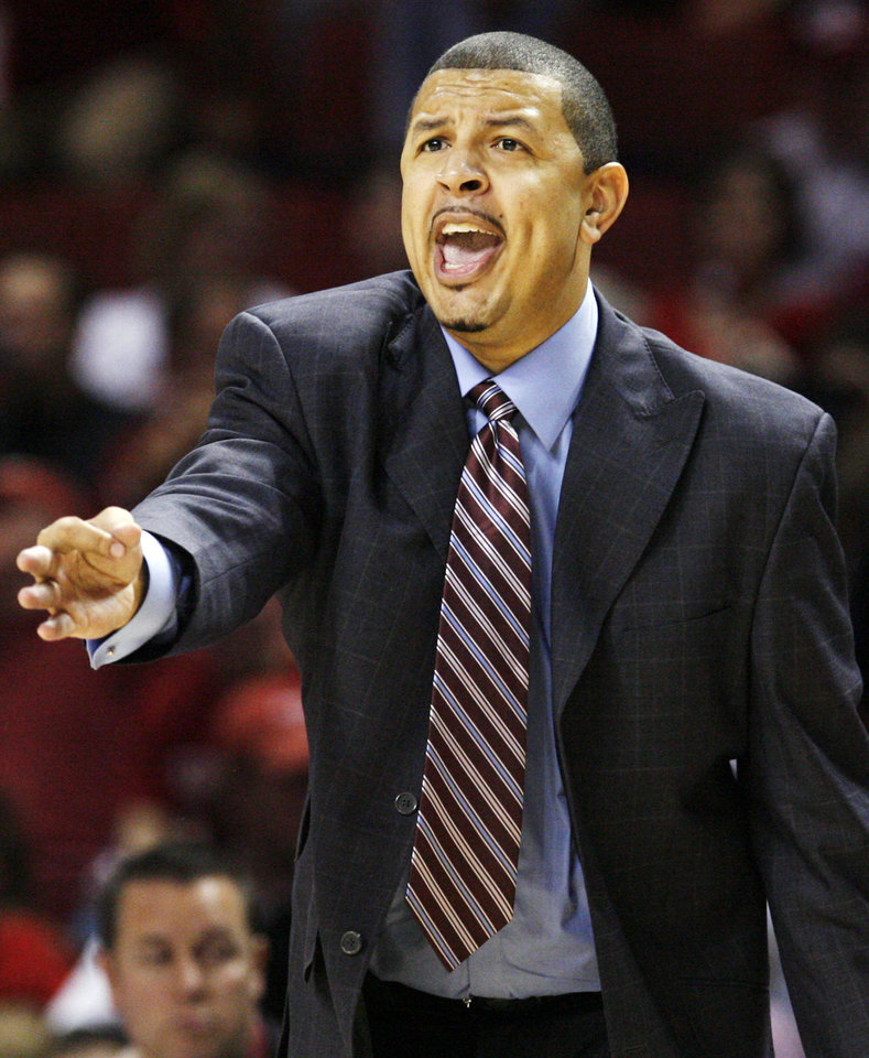 Photo - OU head coach Jeff Capel gives instructions to his team in the second half of the men's college basketball game between the University of Oklahoma and Utah at the Lloyd Noble Center in Norman, Okla., Saturday, Dec. 13, 2008. OU won, 70-52. BY NATE BILLINGS, THE OKLAHOMAN  ORG XMIT: KOD