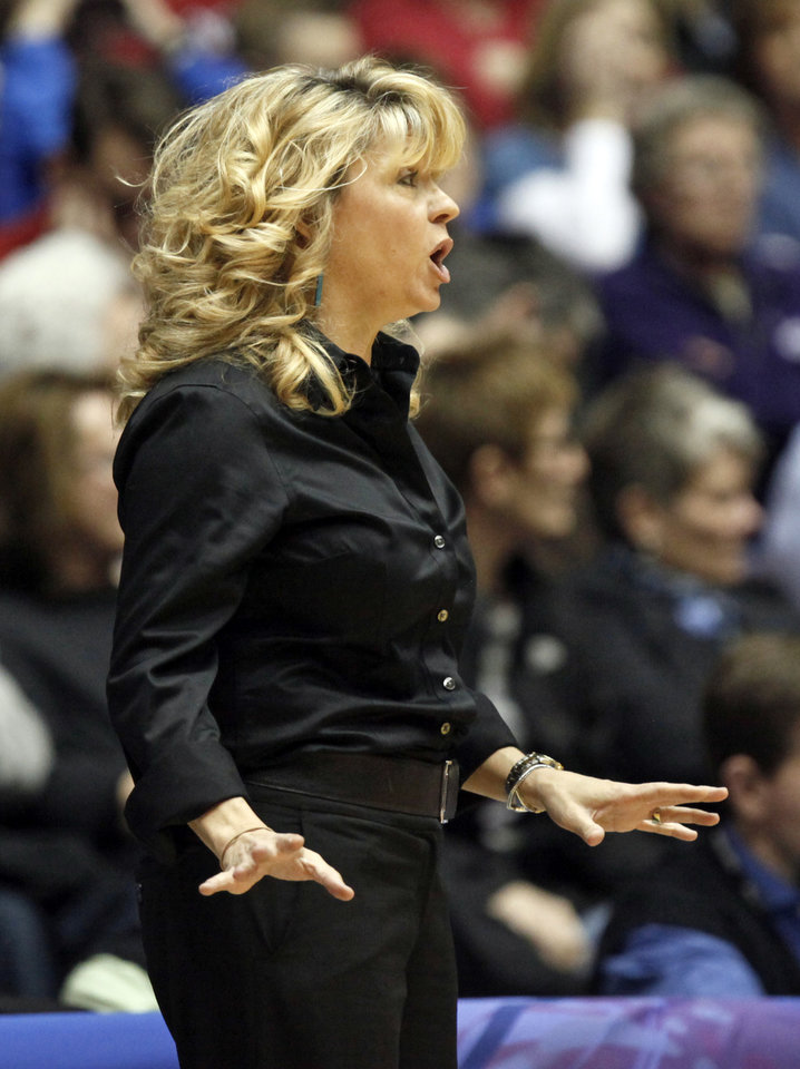 OU head coach Sherri Coale gives instructions to her team during the Big 12 tournament women's college basketball game between the University of Oklahoma Sooners and the University of Missouri Tigers at Municipal Auditorium in Kansas City, Mo., Thursday, March 8, 2012. OU won, 70-59. Photo by Nate Billings, The Oklahoman
