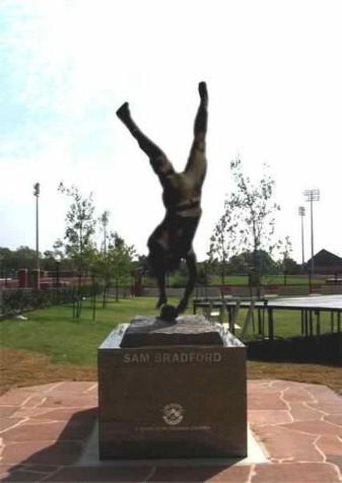 Bradford's proposed Heisman statue. (Courtesy of nowpublic.net)