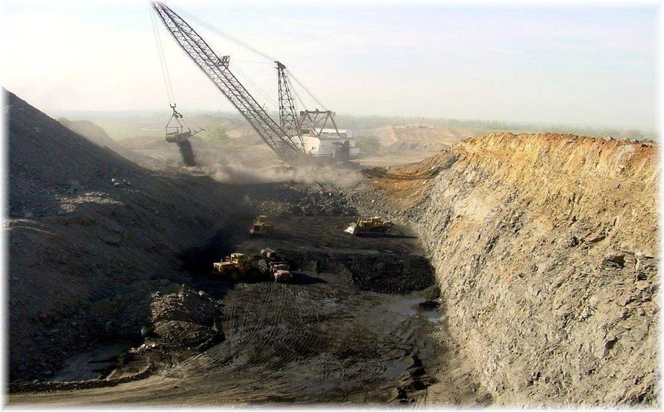 Photo -  This is a photo of a dragline surface coal mining operation of Farrell Cooper Mining Co.s Taloga Creek Mine in Haskell County.     -  PHOTO PROVIDED BY THE OKLAOMA DEPARTMENT OF MINES